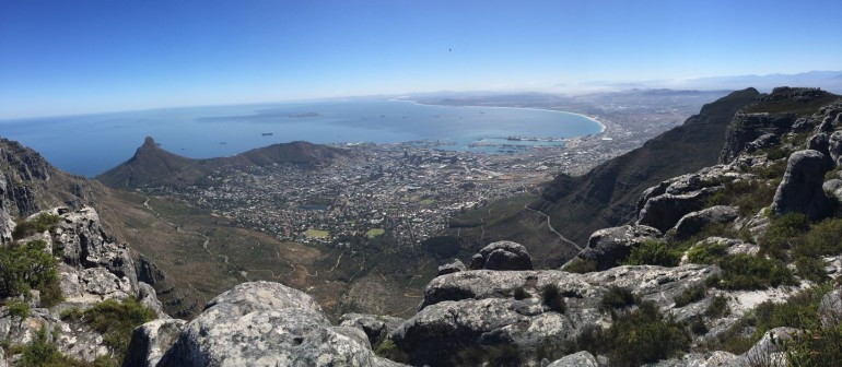 Travellers Insight Reiseblog Tafelberg Blick auf Kapstadt