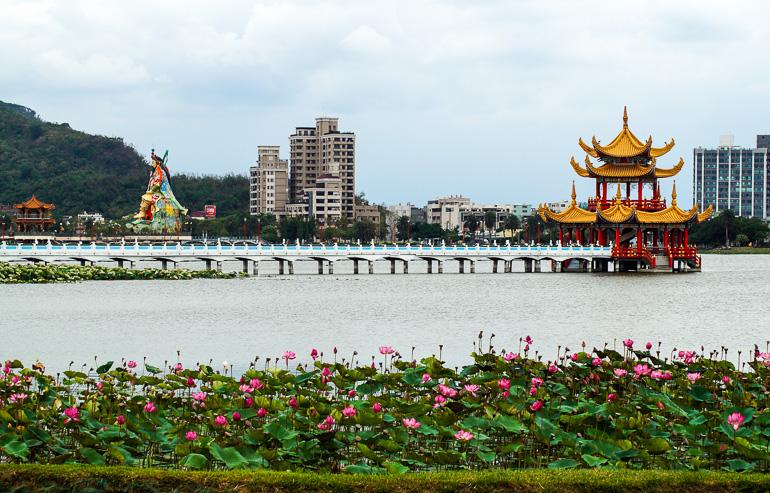 Travellers Insight Reiseblog Taiwan Sun Moon Lake Kaohsiung Lotuspond Ausblick