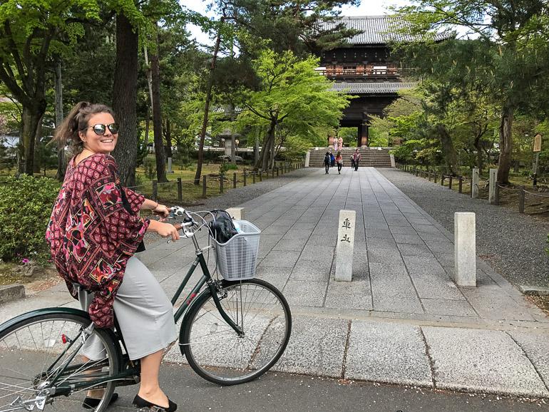 Travellers Insight Reiseblog Kyoto Tempel mit Fahrrad erkunden