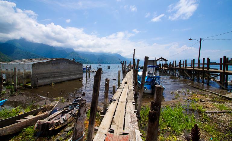 Travellers-Insight-Reiseblog-Guatemala-Rundreise-Steg-Atitlan-See