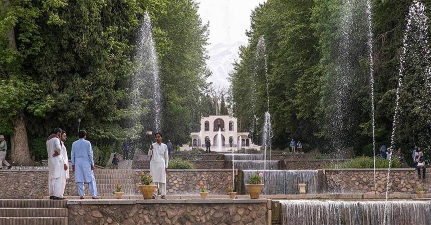 Travellers Insight Reiseblog Iran Eisenbahn Kerman Prinzengarten