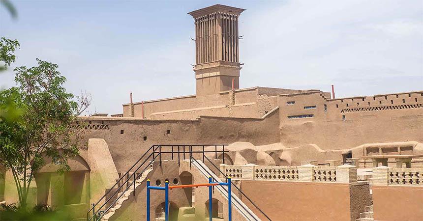 Travellers Insight Reiseblog Iran Eisenbahn Windturm Yazd