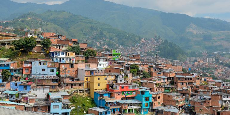Travellers Insight Reiseblog Kolumbien Sehenswürdigkeiten Comuna 13 Medellin