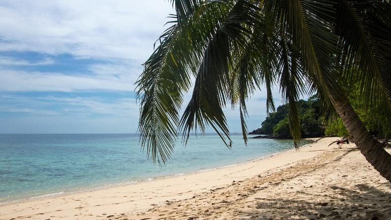 Travellers Insight Reiseblog Koh Mook Koh Kradan Sunset Beach