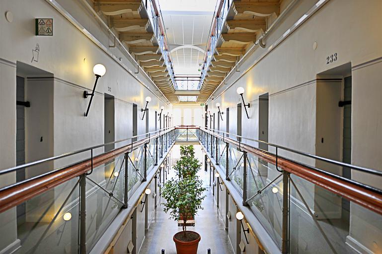 Travellers Insight Reiseblog Unterkünfte Langholmen Treppenhaus