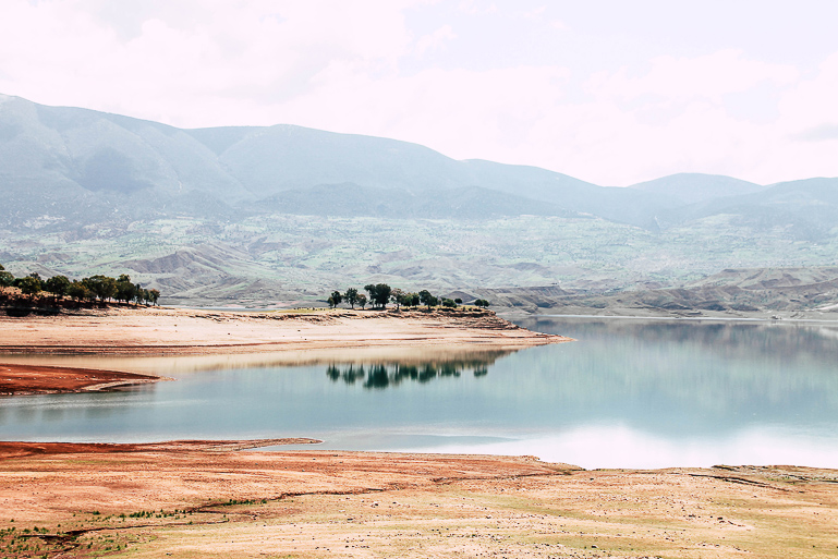 Travellers Insight Reiseblog Marokko Roadtrip Staudamm Bin El Ouidane