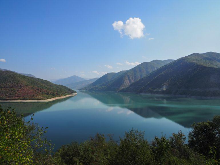 Travellers Insight Reiseblog Rundreise Georgien Jinvali-Stausee