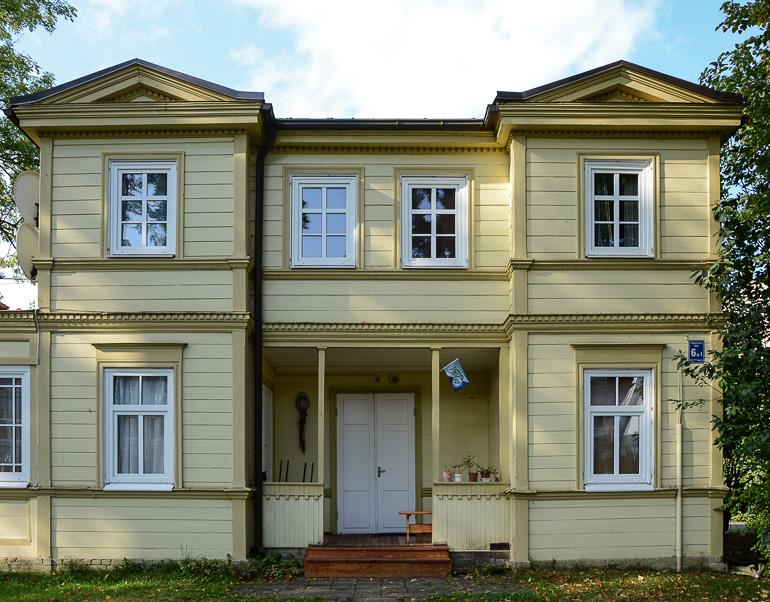 Travellers Insight Reiseblog Riga Jurmala Holzhaus Fassade