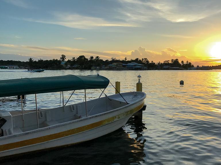 Travellers Insight Reiseblog Panama City Bocas del Toro Wassertaxi