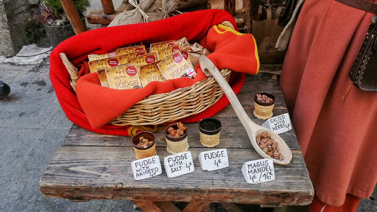 Travellers Insight Reiseblog Tallinns Sehenswürdigkeiten Makronen