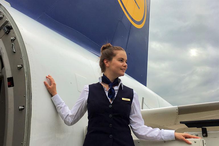 Travellers Insight Reiseblog Tipps fürs Fliegen Flugbegleiterin